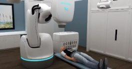 El sistema CyberKnife que puede operar un tumor benigno en cuestión de minutos